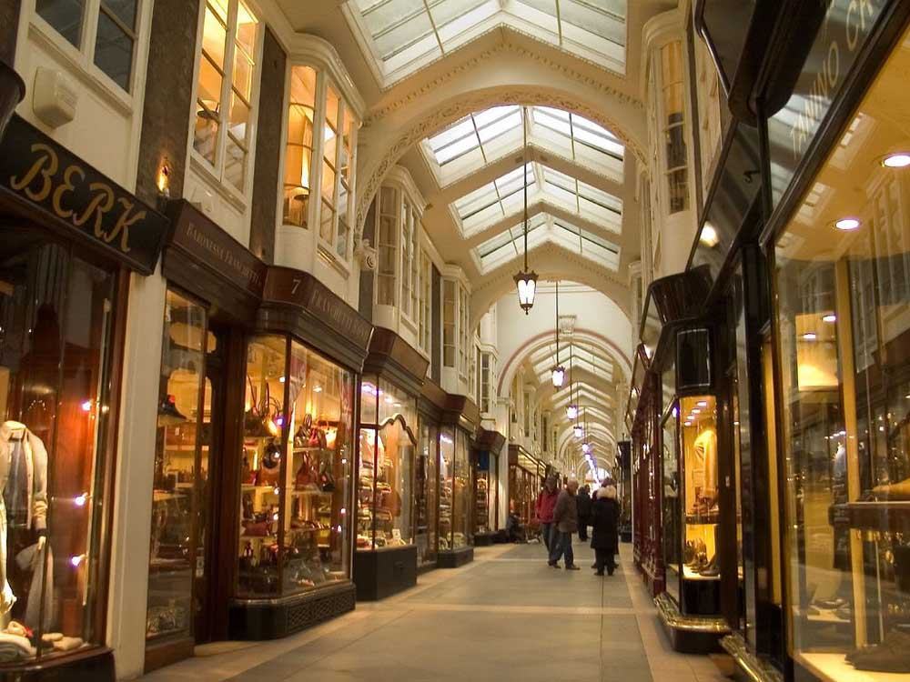 Burlington-Arcade-paseando-por-londres